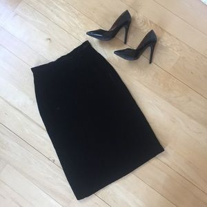 Dresses & Skirts - Black velvet pencil skirt *VINTAGE*